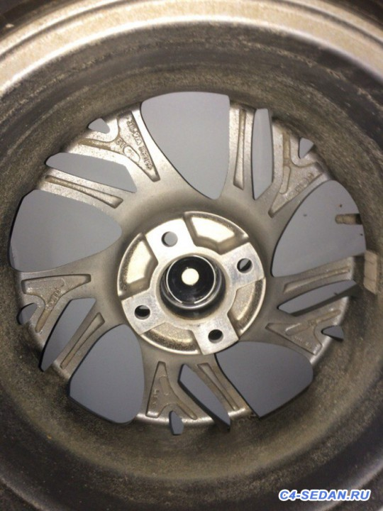 [Москва] Продам зимнюю резину Bridgestone Blizzak Revo GZ диски replica - ThRkbRkj72g.jpg